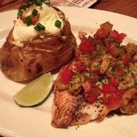 Foto tirada no(a) Outback Steakhouse por Alessandra C. em 11/12/2012