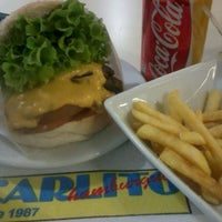 Photo taken at Carlito Hamburguer by 🐾 Priscila A. on 6/22/2013