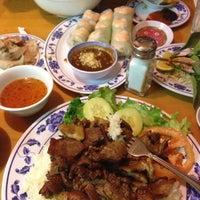 Foto scattata a Pho Sao Bien Vietnamese Restaurant da Norma L. il 3/2/2013