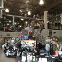 Photo prise au Orange County Harley-Davidson par Alex C. le7/4/2013