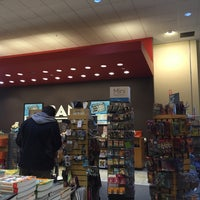 Photo taken at Books-a-Million by Melissa W. on 2/7/2015