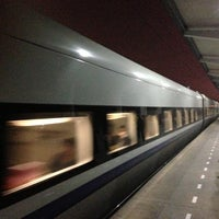 Photo taken at 绍兴站 Shaoxing Railway Station by Yana A. on 11/14/2012