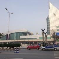 Photo taken at 绍兴站 Shaoxing Railway Station by Yana A. on 1/15/2013