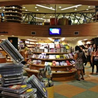 Photo taken at Livraria Cultura by Ramon R. on 2/24/2013
