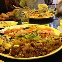 Photo taken at Sachô - Restaurante e Temakeria by Danielle B. on 9/25/2013