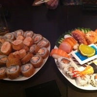 Photo taken at Tsuru - Sushibar by Ewellynn D. on 10/26/2012