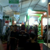 Photo taken at Lokasi Pameran EXPO Kalteng by Raisa Angelin U. on 10/19/2012