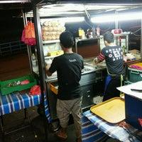 Photo taken at D'Ukay Burger by FarhAn A. on 10/13/2016
