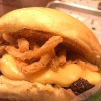 Foto tirada no(a) Cabana Burger por Samara G. em 7/21/2018