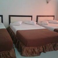 Foto diambil di Hotel Ratna oleh Hardjianto S. pada 10/21/2013