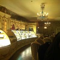 Снимок сделан в Кафе Пушкинъ пользователем Умахан У. 12/13/2012