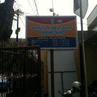 Photo taken at Samsat UPT Surabaya Utara Embong Sawo by Viky H. on 3/27/2013