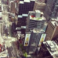 Das Foto wurde bei W New York - Times Square von Aliya K. am 5/13/2013 aufgenommen