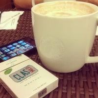 Photo prise au Starbucks par Aldy A. le1/15/2013