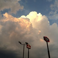 Photo taken at Hampton Inn Bowling Green by Mike C. on 7/28/2014