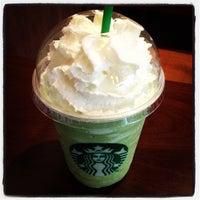 รูปภาพถ่ายที่ สตาร์บัคส์ โดย [Co_LA] C. เมื่อ 12/10/2012
