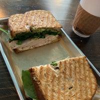 10/5/2018にZach C.がWaveriders Coffee & Deliで撮った写真