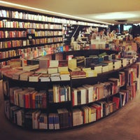 Photo taken at Livraria da Vila by Lica R. on 10/5/2012