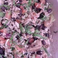Foto tomada en Chipotle Mexican Grill por Mike J. el 11/14/2012