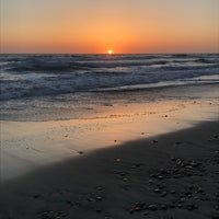 Photo taken at Stonesteps Beach by Gina SuuperG S. on 5/14/2017