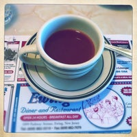 Снимок сделан в Ewing Diner пользователем Mark K. 6/2/2013