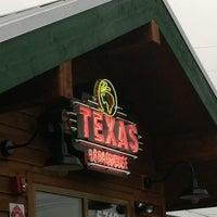7/13/2013 tarihinde Lori R.ziyaretçi tarafından Texas Roadhouse'de çekilen fotoğraf