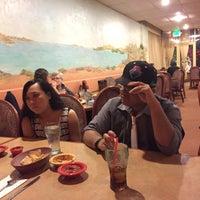 4/4/2015 tarihinde Ronnie A.ziyaretçi tarafından La Tapatia Mexican Restaurant and Cantina - Concord'de çekilen fotoğraf