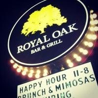 Foto tomada en Royal Oak Bar and Grill por Nick E. el 2/24/2013
