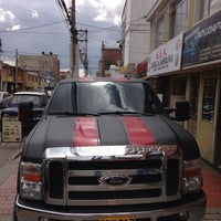 Photo taken at Evolution Car Graphics by Camilo R. on 9/11/2013