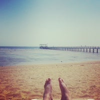 Foto tirada no(a) Beach @ Rixos Hotel por Марсель З. em 9/17/2013