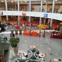 Снимок сделан в Cafe Fashion пользователем Guy А. 12/21/2012