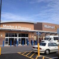 Das Foto wurde bei Walmart Supercenter von Bob M. am 1/26/2013 aufgenommen