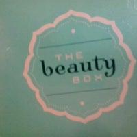 Foto tirada no(a) The Beauty Box por Luciana F. em 11/24/2012