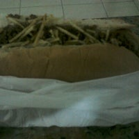 Photo taken at Barba Lanches by Cláudio L. on 12/20/2013