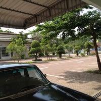 Photo taken at อาคาร 16 วิศวกรรมอุตสาหการ by จิตติวัฒน์ น. on 5/13/2013