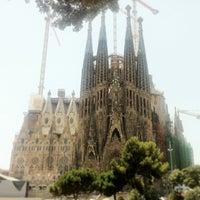 Foto tomada en Templo Expiatorio de la Sagrada Familia por Aaron C. el 7/8/2013