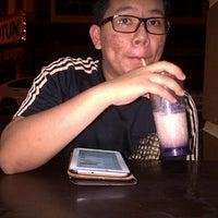 1/7/2013 tarihinde Kimeziyaretçi tarafından Cafe Bawang Merah'de çekilen fotoğraf
