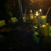 Photo taken at kedai makan harun ulu kenderong by Kime on 6/7/2013