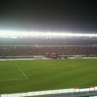 Photo taken at Estadio Rommel Fernández by Oscar L. on 10/13/2012