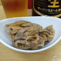 Photo taken at 酒・立ち飲み 喜多屋 by Ryo T. on 8/16/2014