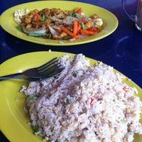 Photo taken at Restoran Shukran by JinChuan on 3/19/2013
