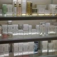 Photo taken at Julia Perfumeria by Arquimedes L. on 10/1/2012