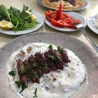 Photo taken at Kapalı Çarşı Meşhur Manisa Kebapçısı by Müge K. on 3/24/2018