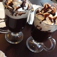 Photo taken at Café José Bistrô & Confeitaria by Mellyna E. on 4/15/2014