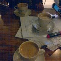 11/16/2012 tarihinde Merve S.ziyaretçi tarafından Altıgen Cafe'de çekilen fotoğraf