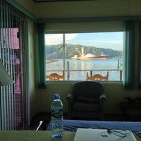 รูปภาพถ่ายที่ Banana Bay Marina (Bahía Banano, S.A.) โดย Shaiba I. เมื่อ 1/4/2013
