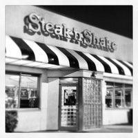 Photo taken at Steak 'n Shake by Ana C. on 1/2/2013