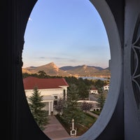 Photo taken at Manor House - Stanley Hotel by Robert T. on 9/17/2016
