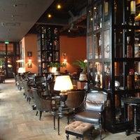10/12/2012 tarihinde Evgeny I.ziyaretçi tarafından Mandarin Bar'de çekilen fotoğraf