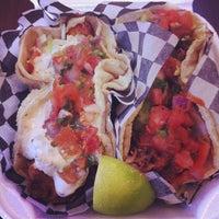 Foto tirada no(a) Seven Lives Tacos Y Mariscos por Erin P. em 1/24/2013